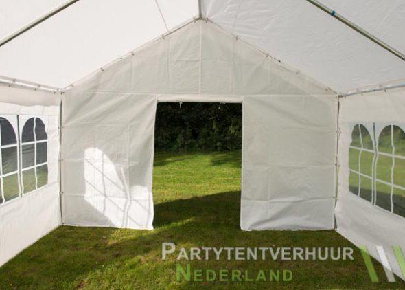 Partytent 4x4 meter binnenkant met deur open - Partytentverhuur Amersfoort